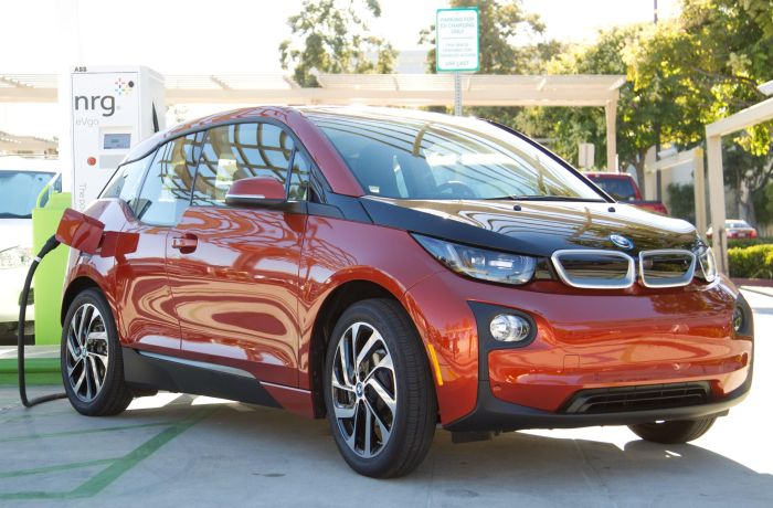 BMW i3 charges at first public charging station featuring Combo Charging 03