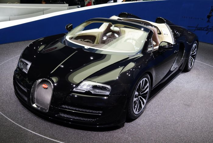 "BUGATTI AWARDS ITS DUBAI DEALERSHIP WITH THE TITLE ""SERVICE PARTNER OF EXCELLENCE"""