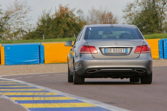 Abbiamo testato la Mercedes Classe E BlueTEC Hybrid all'Autodromo di Modena. Ecco come va. BlogMotori.com 4