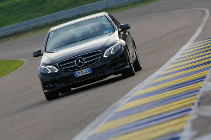 Abbiamo testato la Mercedes Classe E BlueTEC Hybrid all'Autodromo di Modena. Ecco come va. BlogMotori.com 5