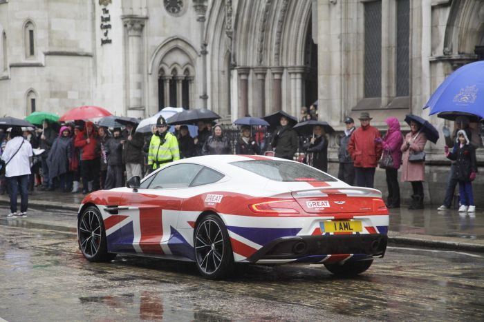 Aston Martin is a 'GREAT' addition to The Lord Mayor's Show 03