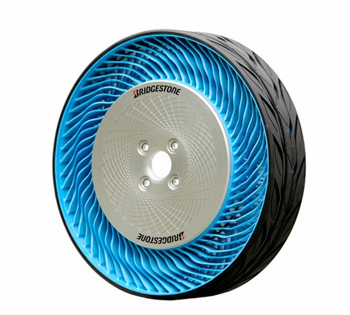 """Bridgestone Corporation svela il prototipo dei pneumatici """"Air Free"""" di seconda generazione"""