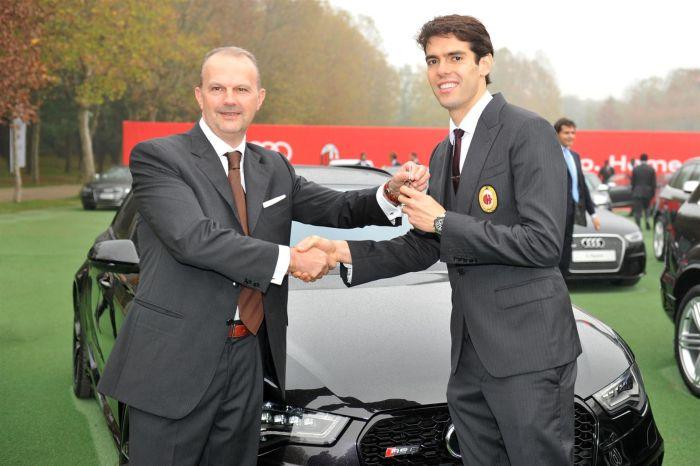Consegna delle vetture Audi all'A.C. Milan - da sin. Fabrizio Longo (Direttore Audi Italia) e Kakà (11 2013)