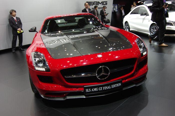 """SLS AMG GT FINAL EDITION: la """"Gullwing del nuovo millennio"""" entra nella storia di Mercedes"""