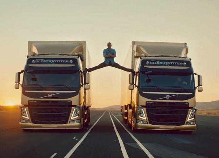 The Epic Split: premiata la qualità della tecnologia alla base dell'acrobazia di Van Damme
