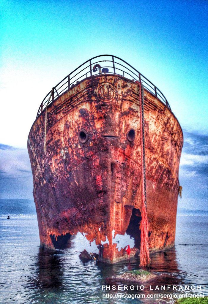 Rigoletto: il relitto di una nave che conserva ancora al suo interno auto del passato