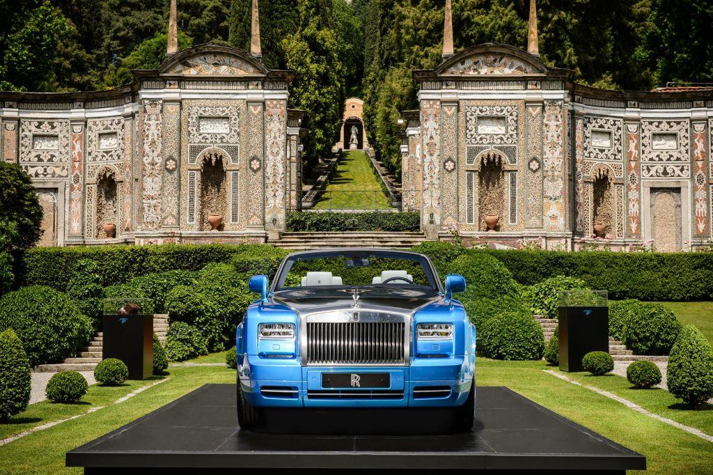 La Rolls-Royce Phantom Drophead Coupé Waterspeed Collection fa ritorno oggi alla sua patria spirituale sui laghi italiani 1
