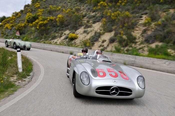 Al via il primo Mercedes-Benz Tribute to Mille Miglia