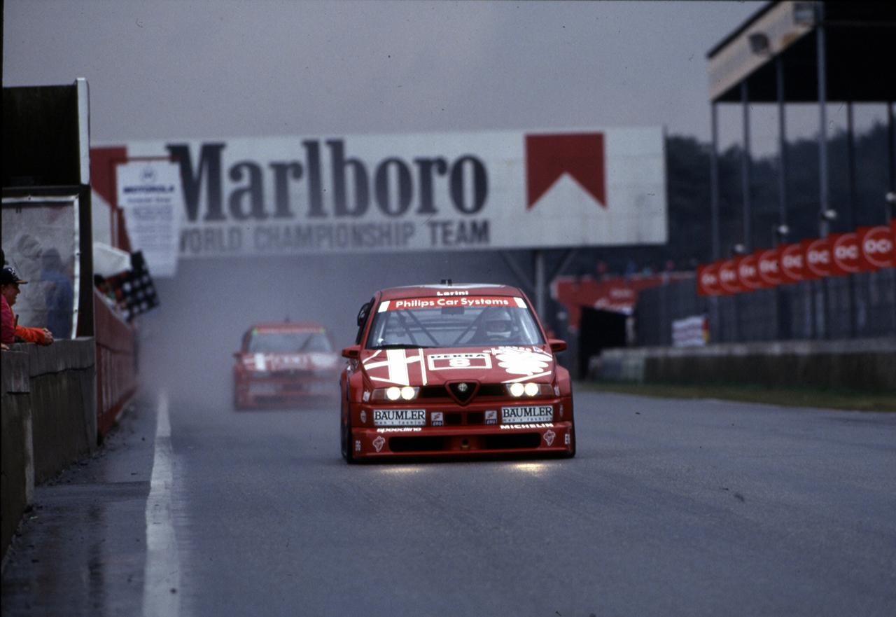 Alfa Romeo 155 V6 Ti DTM protagonista sul circuito di Zandvoort