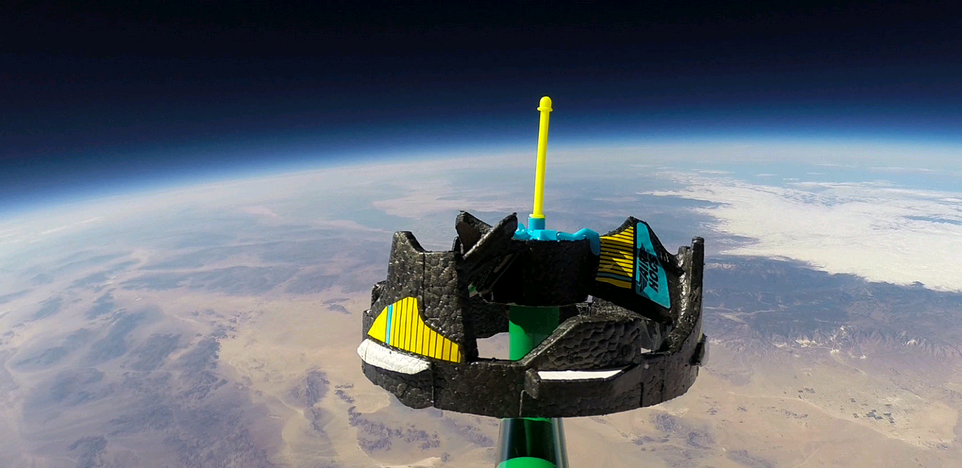 Air Hogs nella stratosfera a 100.259 piedi dalla Terra
