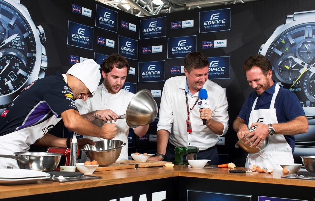 Team Infiniti Red Bull Racing: le esclusive immagini del Cooking Challenge tra Daniel Ricciardo e Christian Horner