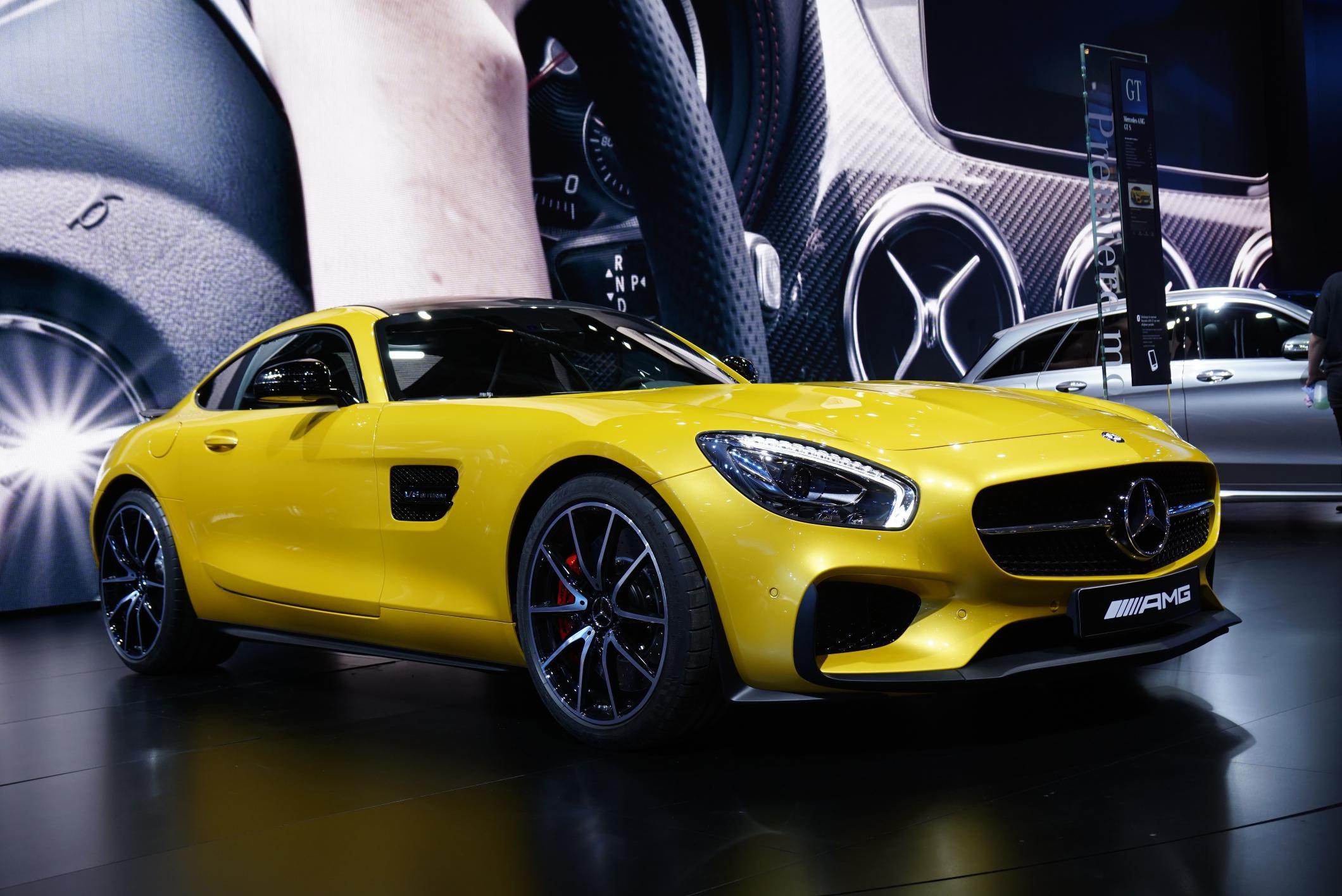 Mercedes-AMG GT al Salone dell'Auto di Parigi: le immagini dal vivo