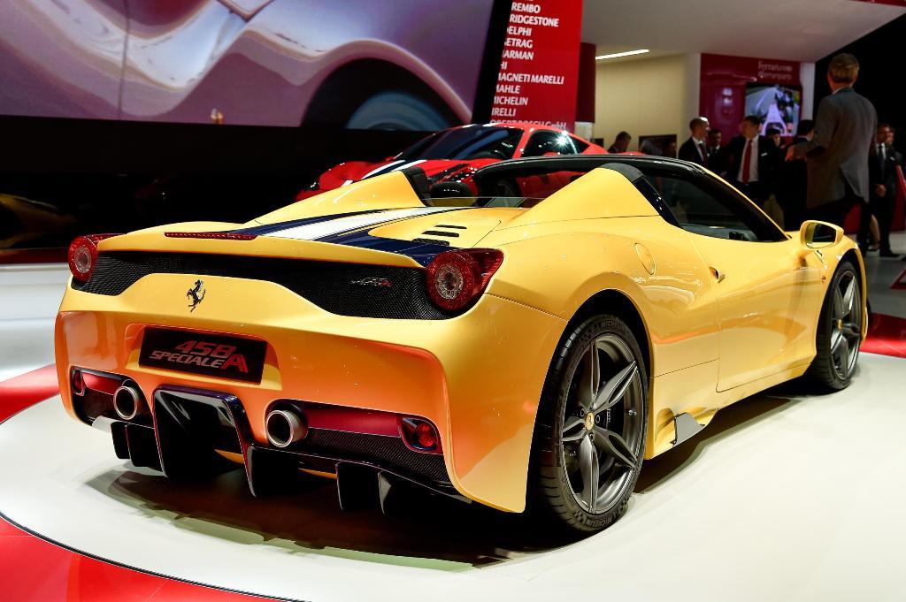 Ferrari 458 Speciale A Parigi