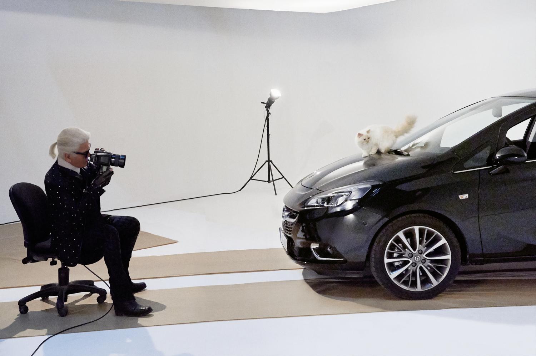Opel Corsa e Choupette posano per Karl Lagerfeld  1
