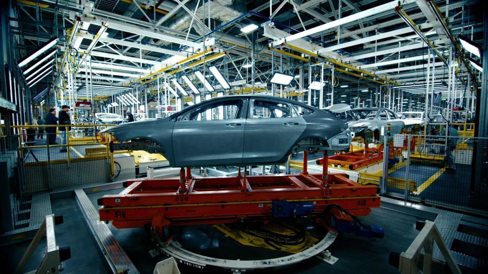 Prezzi delle auto nuove, chi sale e chi scende. Clamorose riduzioni di listino