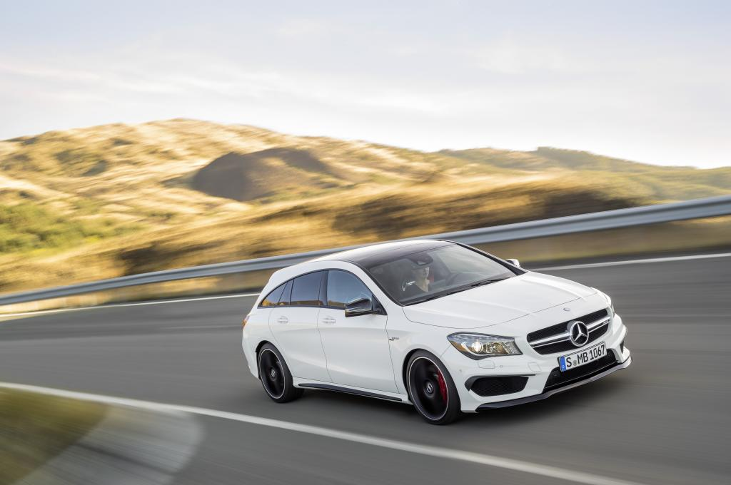 cla 45 amg shooting brake nuova mercedes ad alte prestazioni. Black Bedroom Furniture Sets. Home Design Ideas