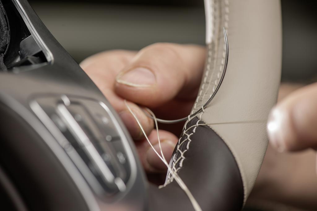 Mercedes-Benz: esperienza olistica, interazione naturale, perfezione sensoriale per regalare emozioni