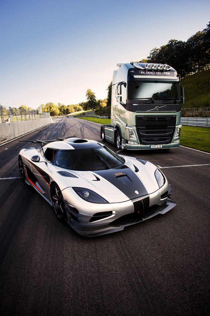 Volvo Trucks vs Koenigsegg One:1 – Il video