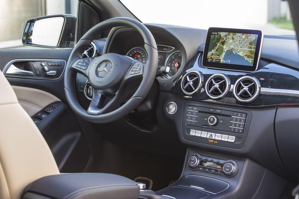 Da Milano ai piedi del Monte Bianco con la nuova Mercedes Classe B