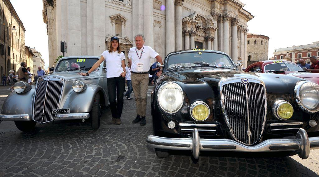 Kasia Smutniak e Cesare Fiorio ospiti d'eccezione alla Mille Miglia 2015 (05/2015)