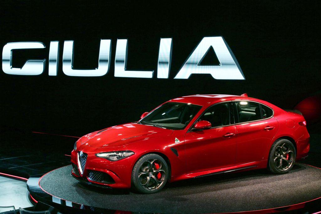 Alfa Romeo per la Giulia vuole vederci chiaro!