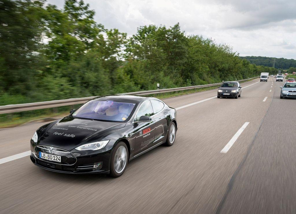 Il futuro della mobilità: Bosch e TomTom partner per la navigazione dei veicoli a guida autonoma