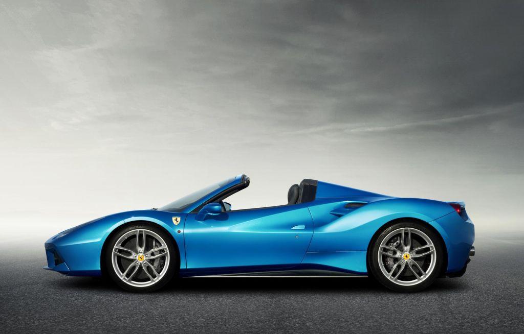 Nuova Ferrari 488 Spider prestazioni straordinarie a cielo aperto 3