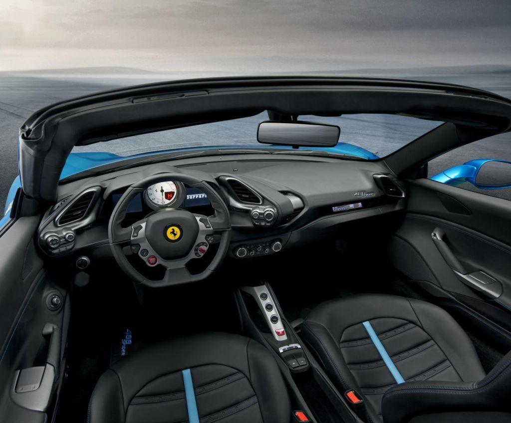 Nuova Ferrari 488 Spider prestazioni straordinarie a cielo aperto 7