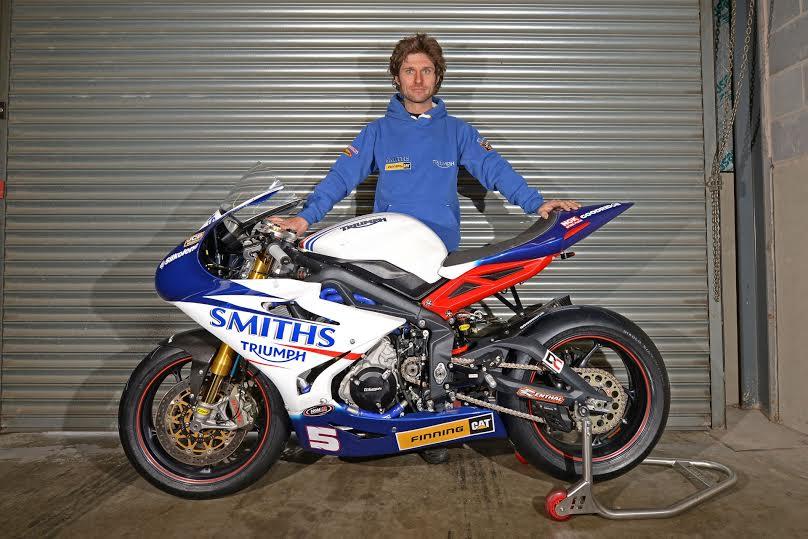 Triumph Motorcycles e Guy Martin insieme per riportare a casa il record di velocità 3