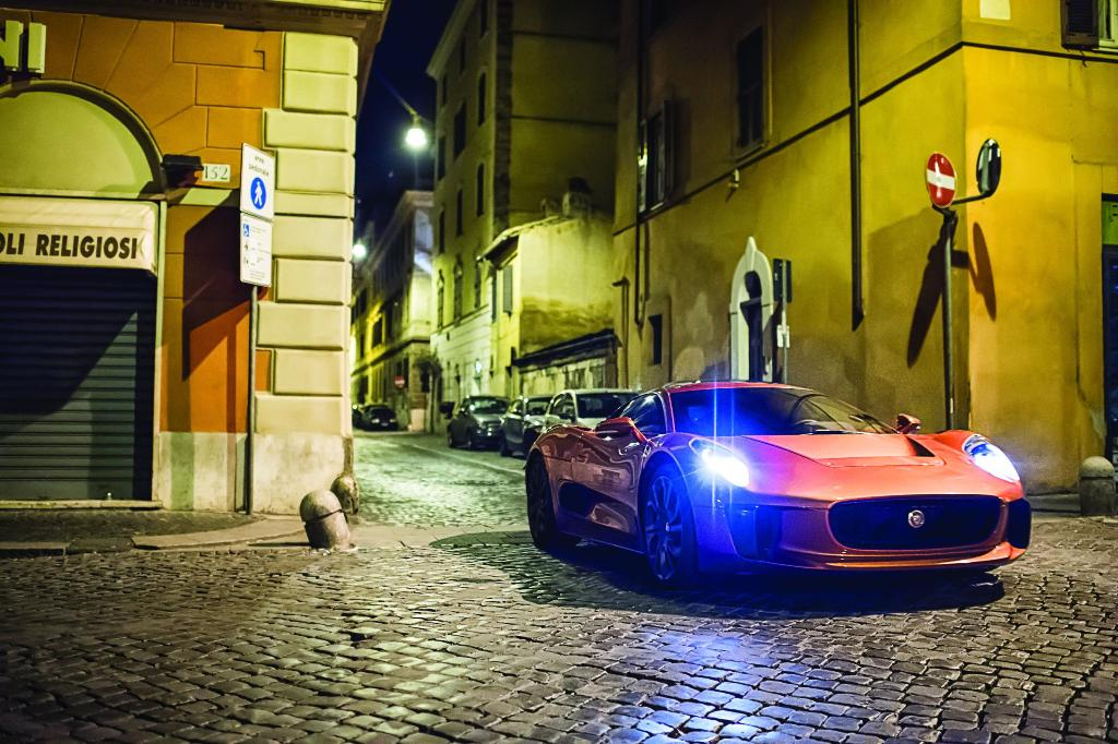 Spectre 007: svelate le nuove Bond Cars Jaguar e Land Rover.Tutte le foto ufficiali