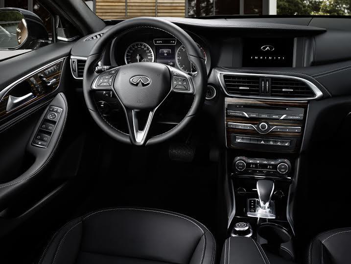 Q30: la prima vettura premium compatta di Infiniti