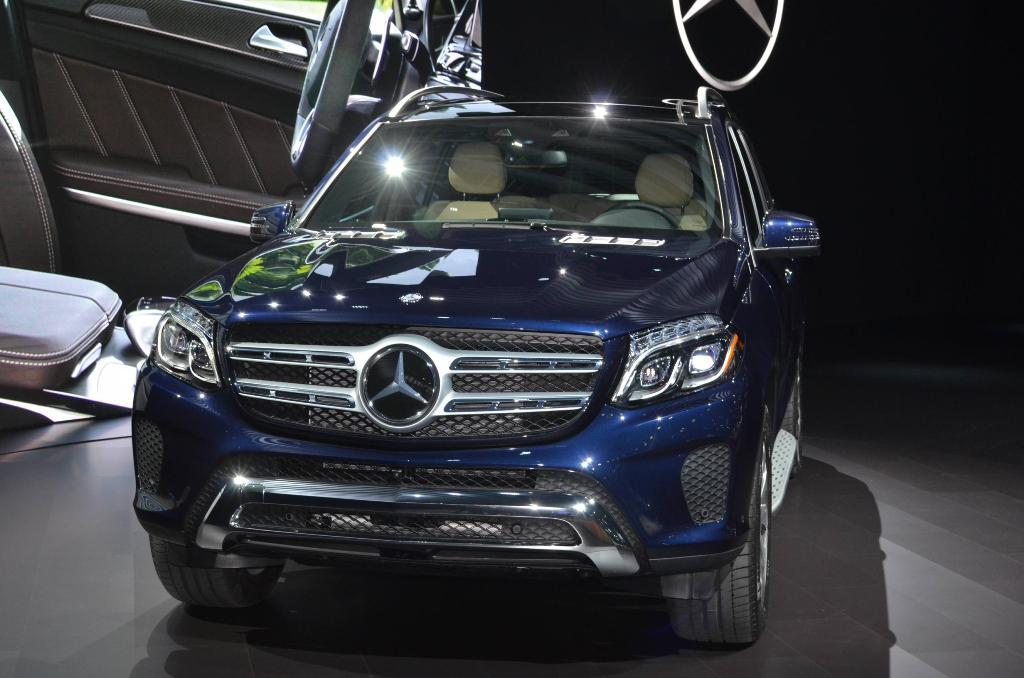 Nuova Mercedes GLS e nuova SL: le immagini da Los Angeles