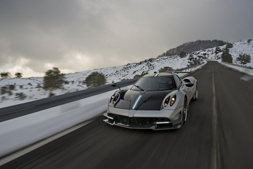 Huayra BC: Pagani Automobili rende omaggio alla Sicilia e alle sue bellezze