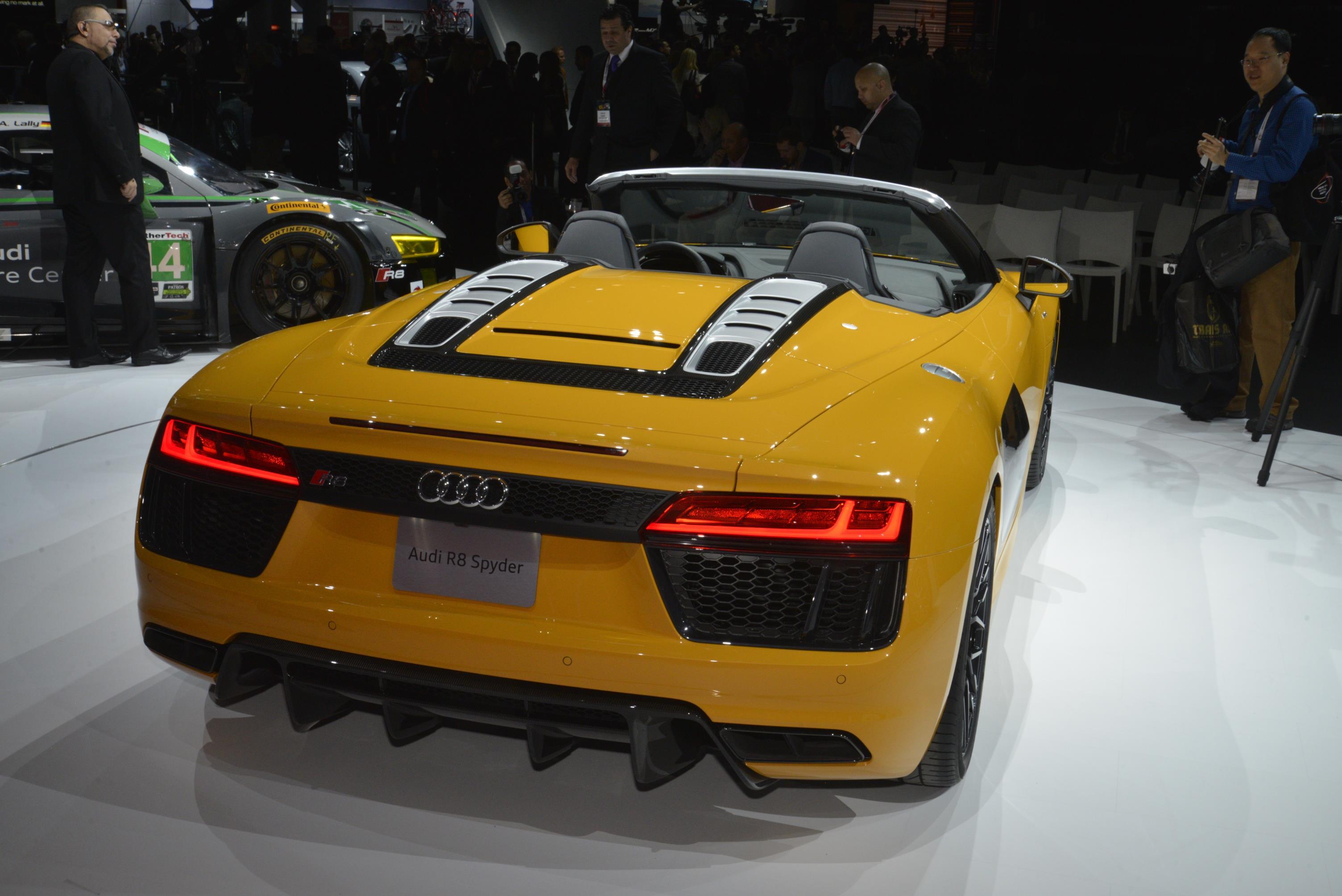 Audi R8 Spyder V10: le foto dal vivo da New York