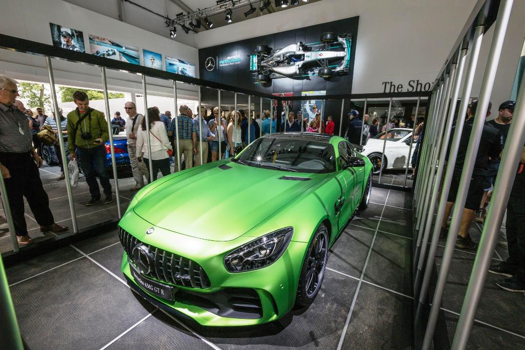 Mercedes-AMG GT R: tempo record per la 'Beast of the Green Hell