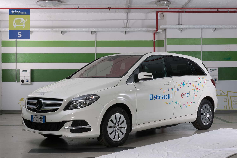 Mobilità Sostenibile: Enel Special Edition di Mercedes-Benz Classe B Electric Drive e Nissan LEAF 100% elettrica
