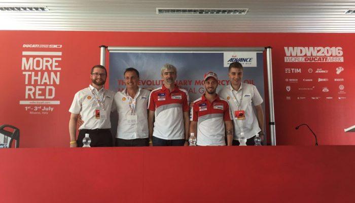 Shell Advance Ultra con PurePlus Technology:  il rivoluzionario olio per motocicli