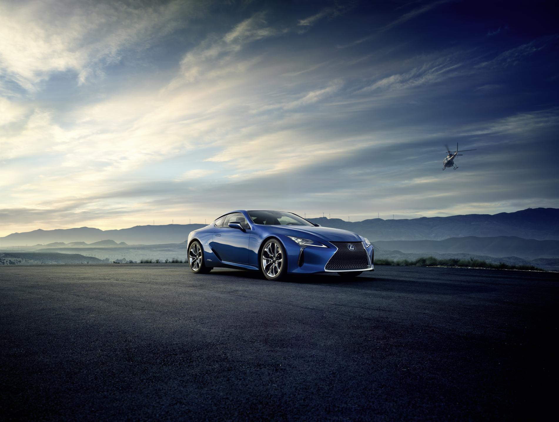I pneumatici Bridgestone con tecnologia Run-Flat in primo equipaggiamento per Lexus LC500/LC500h