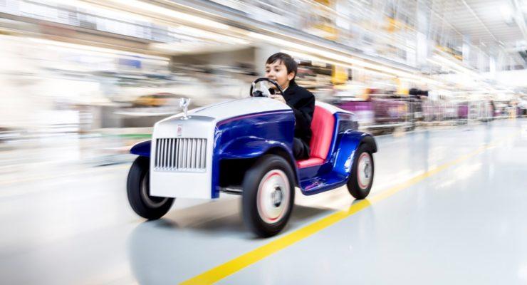 La più piccola Rolls-Royce al mondo con il più grande unveil