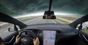 Tesla Model X: la prova su strada del SUV creato da Elon Musk