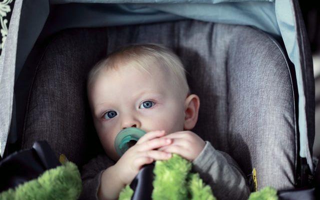 Indagine MyMi su dispositivi anti-abbandono per bimbi in auto: post-lockdown, ben 7 genitori su 10 non sono ancora in regola